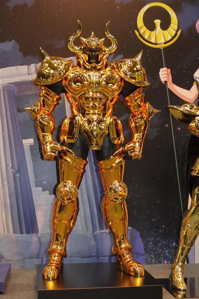 armaduras de ouro em tamanho real Cavaleiros do Zodíaco Touro grande chifre