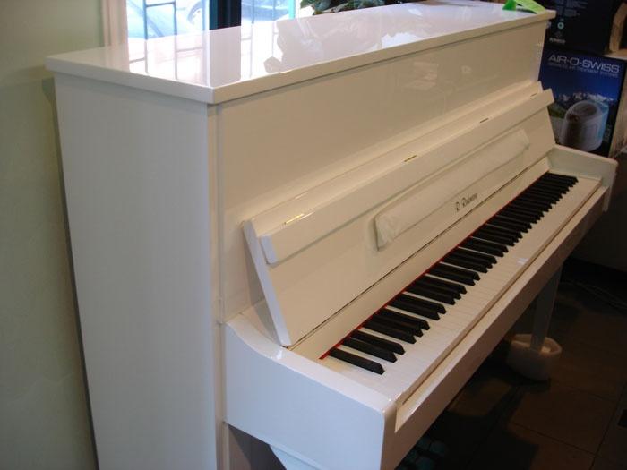 white pianino  Must have!!!