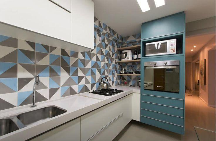 Oito cozinhas com um toque de azul Tiffany - ou azul turquesa. Passa lá no blog e confira ! Essa cor enche o ambiente de energia e alto astral!