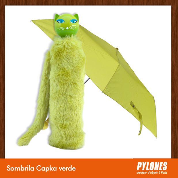 #Sombrilla Chapka verde @pylonesco Pylones Colombia #navidad #regalos #pylones #noviembre — en Colombia.