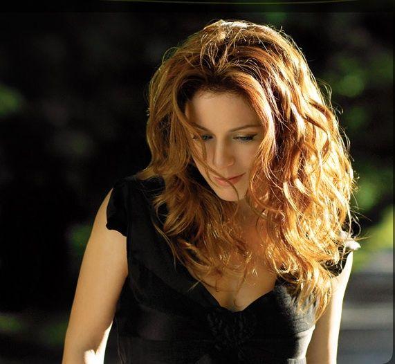 """Isabelle Boulay: """"Je t'oublierai"""" - Critiques musiqueJust Focus"""