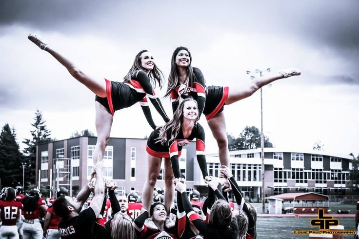 WOU Cheer 2013-14. College Pyramid. Louie Paul Photography.