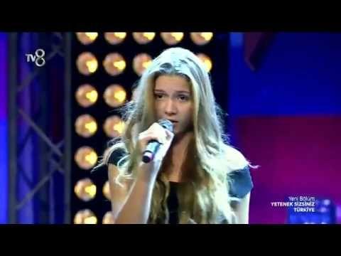Türkiye'nin Shakira'sı Aleyna Tilki - Yetenek Sizsiniz Türkiye 2014 - YouTube