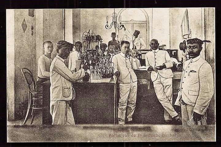 Soerabaia Bierhal Beer Hall Buffet Java Indonesia ca 1910   #surabaya #soerabaia #soerabaja #suroboyo #tempodulu #bierhalle #sejarah #surabayatempodulu #tempodulu #tempodoeloe #nederlandindies #surabaya723