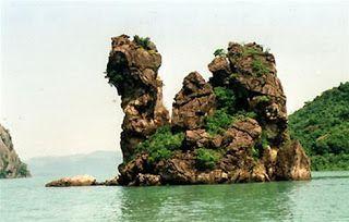 Exploring  Ha Long Bay and Bai Tu Long Bay tour 1