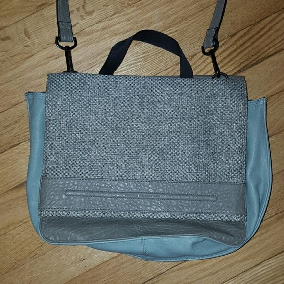 French Connection tweed and leather messenger bag French Connection tote or messenger bag with gray tweed and light blue leather with gray lather and side zippers on the other side. In great condition. French Connection Bags Shoulder Bags