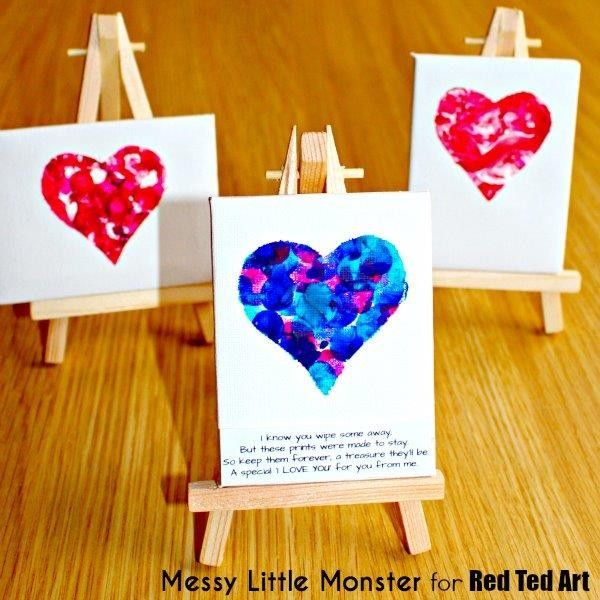 fingerprint keepsake heart mini canvas by Louise..I love keepsakes that involve tiny fingers, hands or feet. I found a perfect little poem to go with the fingerprint heart craft...