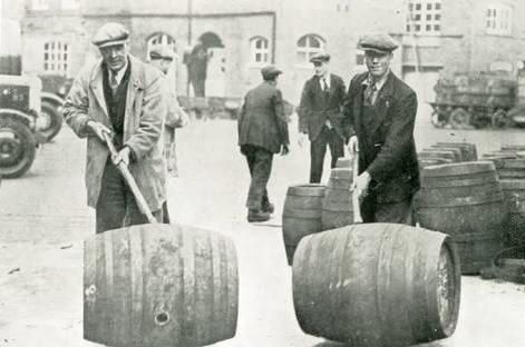 Rolling a Beer Barrel ON THIS DAY …….. 24th March 1940 Jack Flakhead from Daylesford, Victoria, won a wager of £25 on this day in 1940 by rolling a beer barrel from Old Hepburn to Daylesford, a distance of 6km, in one hour and 12 minutes.