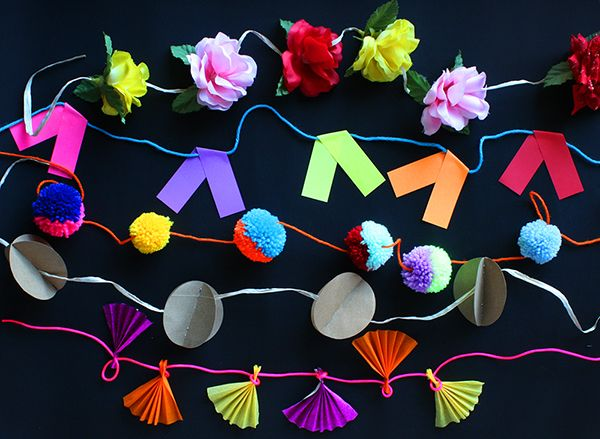Awesome Tutorial: Five Quick And Easy Gorgeous Garlands. #FreeTutorial #PaperCraft #Garlands #PomPoms #Flowers #DIY #Parties #Craft