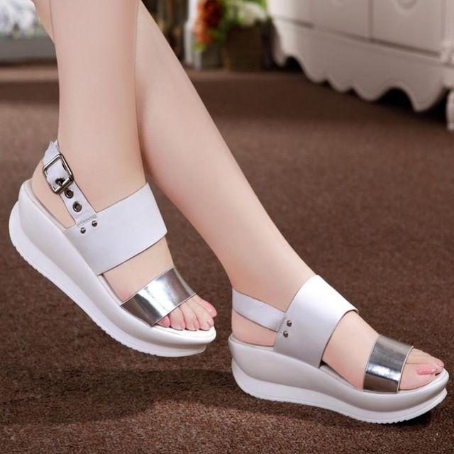 Designer da Marca de moda 100% Genuíno Couro Macio Mulheres Flats Sandálias Loafers Chinelos Flip Flops Sapatos Para Mulheres A303