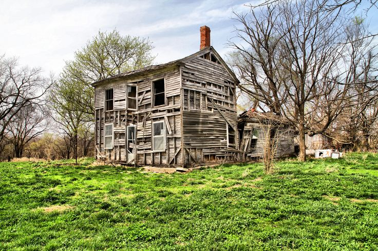 """The Roger's Place - Old abandoned farmhouse called the """"Roger's Place"""" in rural Clinton County Missouri."""