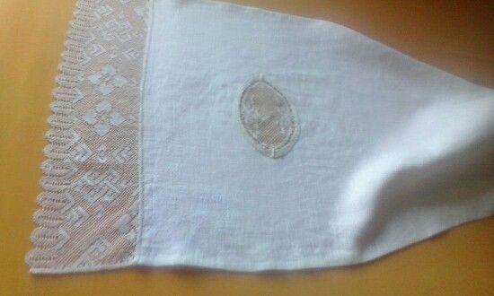 Tovallola de lli per a rentamans antic. Olga Soler.