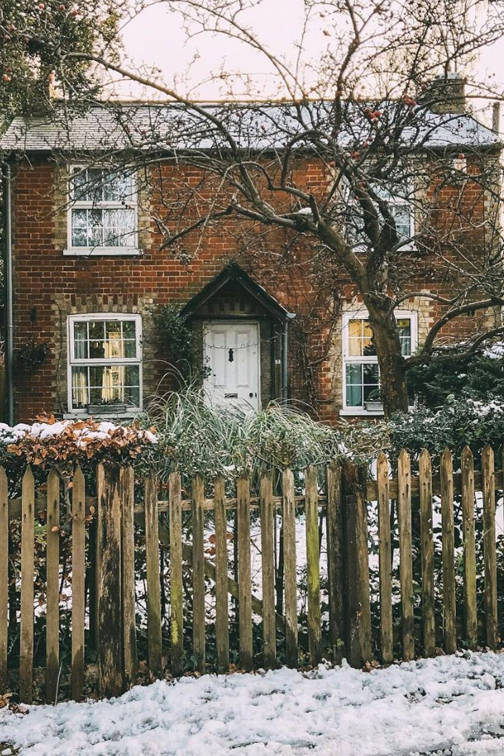 This darling winter scene reminds us of the cottage in the
