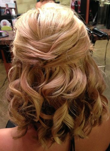 Pinned Wavy Half Hairstyle for Wedding