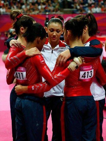 USA Gymnastics TeamUsa Gold, London 2012, Team Huddle, Usa Gymnastics, Olympic Gold, Team Final, Gymnastics Team, Team Usa, Fab 5 Gymnastics