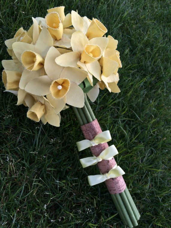 This irresistibly happy daffodil bridal bouquet is perfect for a spring wedding. Each flower is handmade with cotton fabric for an eco-chic look that is off the charts. Click through to the A Sweet company Etsy shop for more inspiration.