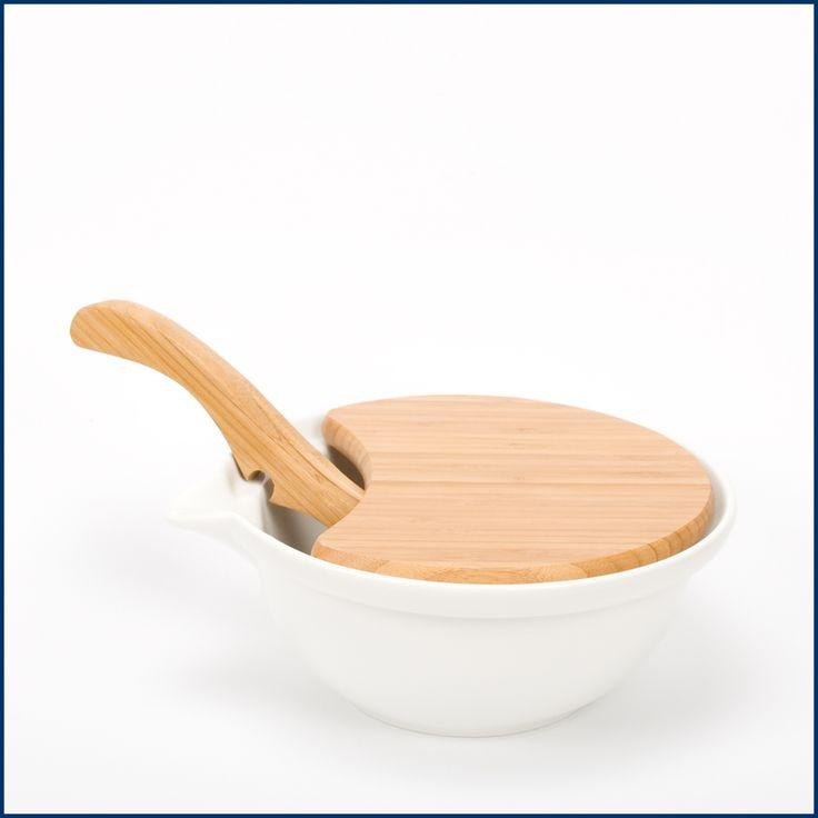 Es wird endlich warm! ☀️ Die Grill- und Salatsaison ist hiermit eröffnet. Passend dazu unsere große Salatschüssel TAVOLA.Mit integriertem Brettchen zum Schneiden der Zutaten und anschließend zu verwenden als Deckel, damit keine kleinen Krabbler an den schönen Salat gehen. Die #Salatschale und viele andere schöne Produkte für die Küche sind hier erhältlich im #Feingefuehlshop: http://feingefühl-shop.de/haus-und-hof/porzellan/575/salatschale-tavola-gross