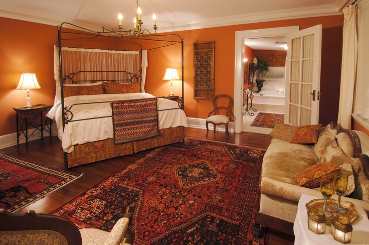 The Persia Suite, overlooking the gardens at the Villa Marco Polo Inn