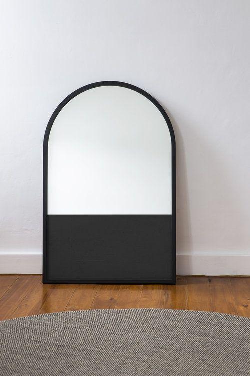 Half Mirror / Black