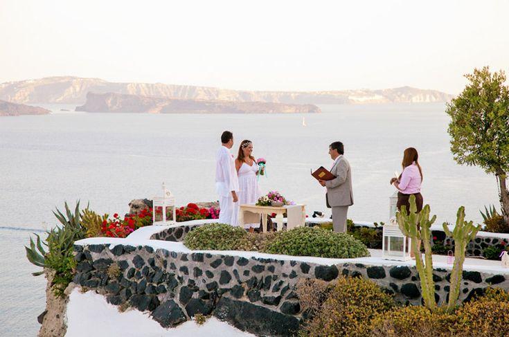 Dia Perfeito #Casamento em #Santorini  www.turismogrecia.info/casamentos/fotos-de-casamento-santorini/sandra-orlando