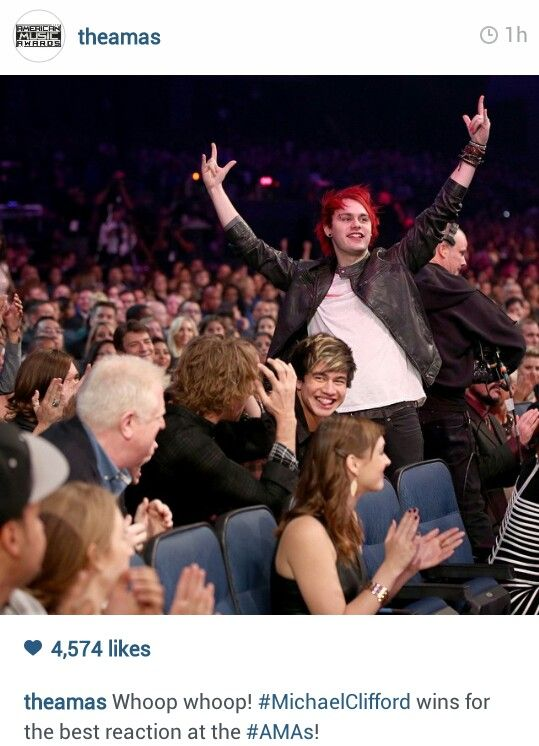 Haha ok but can we look at everyone's reactions to michael? Calum's laughing, Ashton is like oh god, and then the random guy next to them has this look on his face. Plus Luke is like freaking out beside the guy