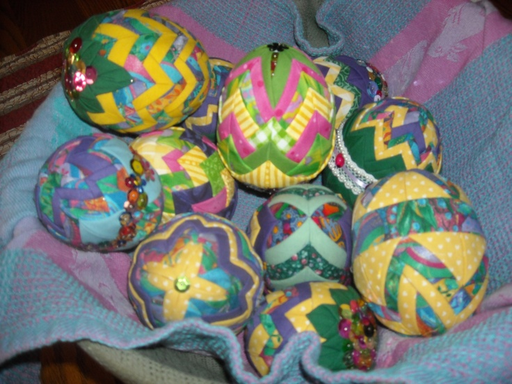 22 best Quilted Easter Eggs images on Pinterest   Christmas balls ... : quilted styrofoam ball ornament - Adamdwight.com
