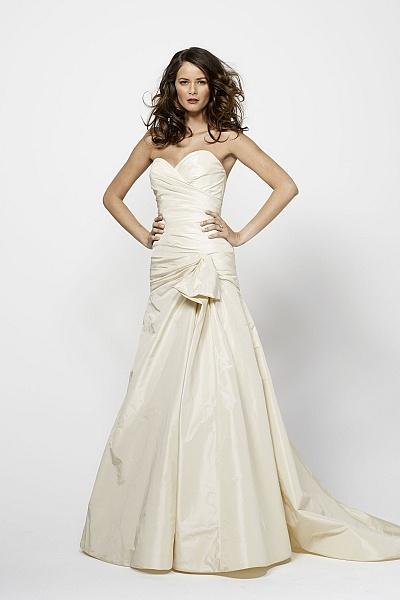 Watters brides raquel gown wedding dresses pinterest for Raquel welch wedding dress