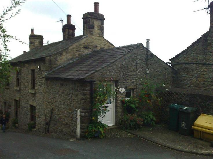 İngiltere'nin lületaşı yataklarına yakın mesafede kurulu kent, mağaralar, tepeler ve yamaçlar ile eşsiz doğa aktiviteleri sunabiliyor... Daha fazla bilgi ve fotoğraf için; http://www.geziyorum.net/settle/