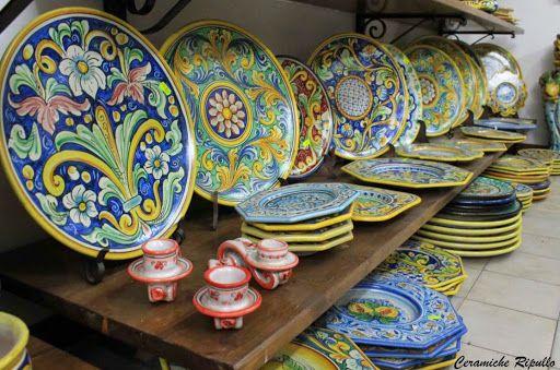 Esposizione Ceramiche Ripullo Via Luigi Sturzo, 5 Caltagirone www.ceramicheripullo.com