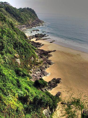 Praia da Solidão, Itajaí, Santa Catarina, Brasil.  Fotografia:emarquetti, via Flickr.