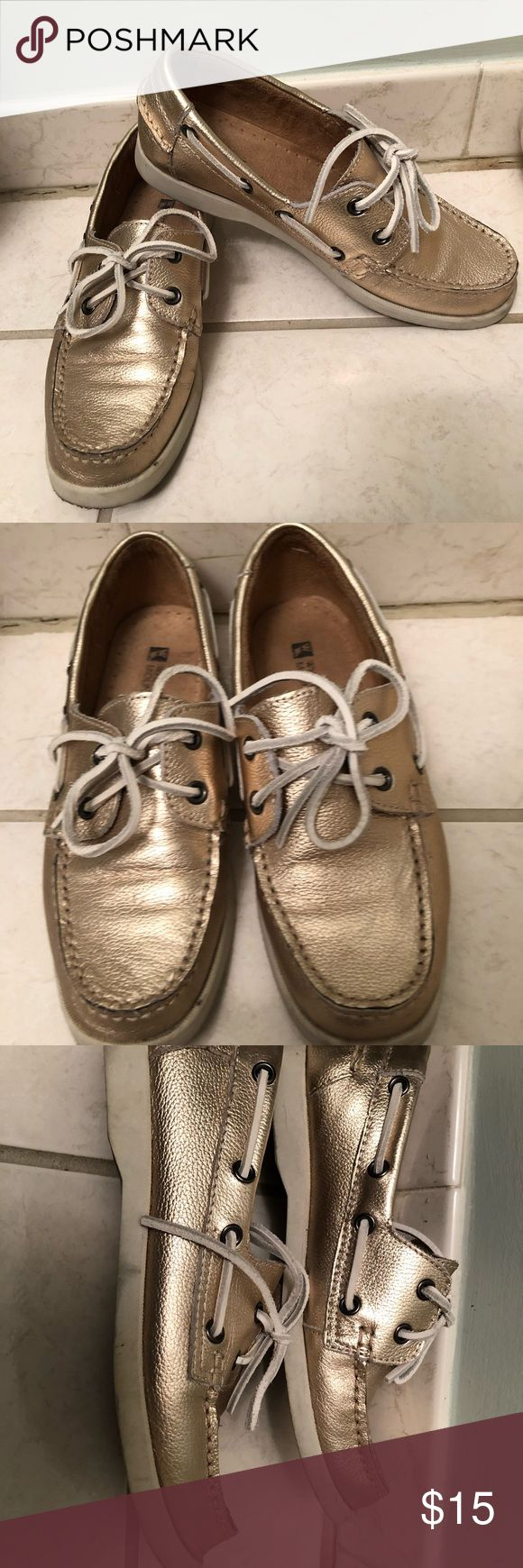 White mountain gold leather boat shoes 6.5 Worn once! Vguc white mountain gold leather boat shoes.  Size 6.5. Leather is in excellent condition. The only signs of wear are the bottoms and some dirt marks on the white soles ... which may wipe off, I will try to get off any marks on the white when I ship White Mountain Shoes Flats & Loafers