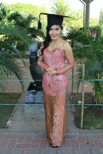 Simple Kebaya for Graduation Thx miss fitria  #graduation #kebayawisuda #nilakresna #kanayakebaya #kebaya #jahitkebaya #designer #fashiondesign #fashiondesigner #designerkebaya #indonesia #surabaya