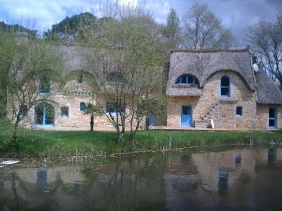 17 best images about maisons long res bretagne on for Architecture bretonne traditionnelle