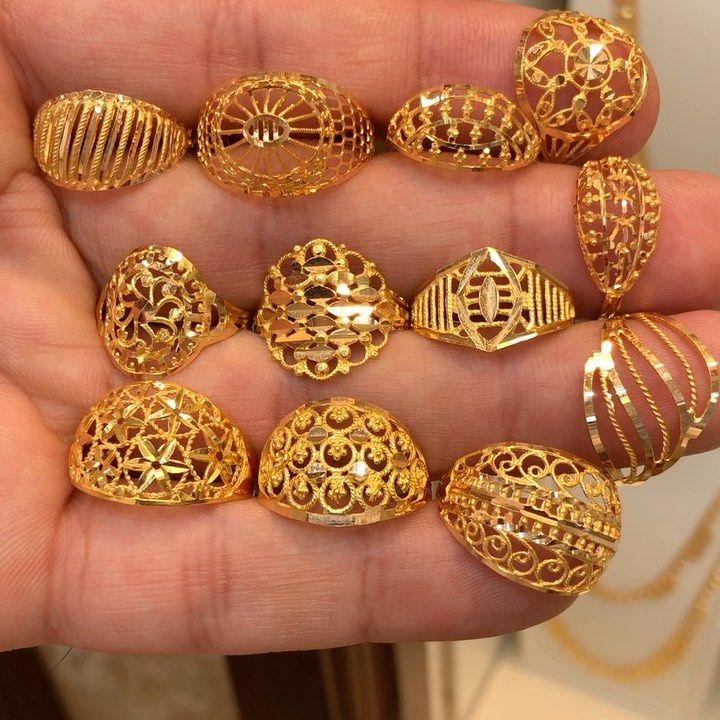 1 682 Likes 15 Comments مجوهرات سوار هديل Sewar Hadeel On Instagram تشكيلة من الخواتم ذهب ساا Gold Jewelry Sets Diamond Dangle Earrings Jewelry Design