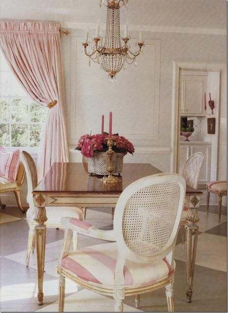 The Glam Pad: 14 Romantic Pink Dining Rooms