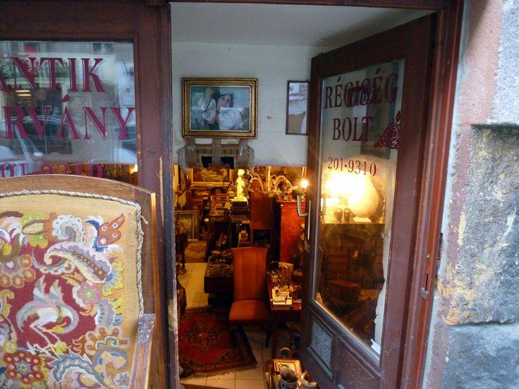 ブダペストのアンティーク専門店