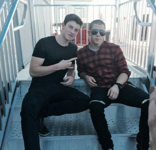 Shawn Mendes <<My favorite singer, loml, and so much more and Nick Jonas<< My diabetes role model and one of my other fav singers