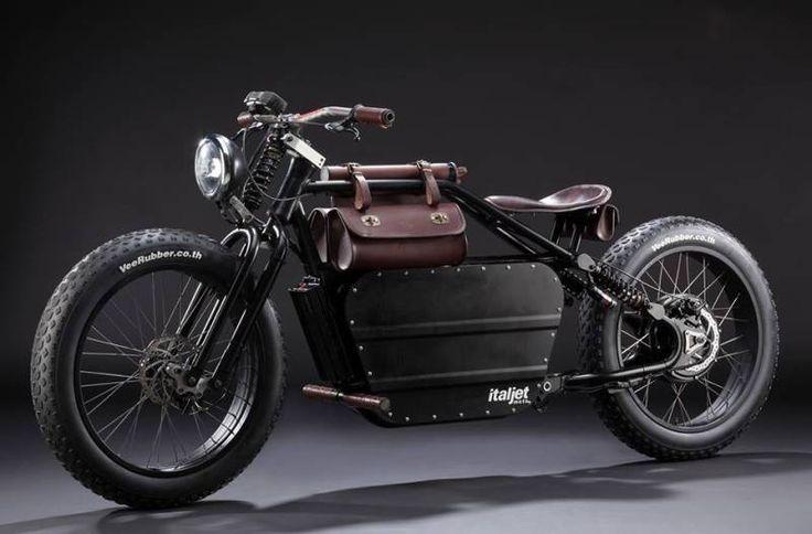 Retour aux grandes heures d'Italjet avec une moto electrique façon Hells Angels