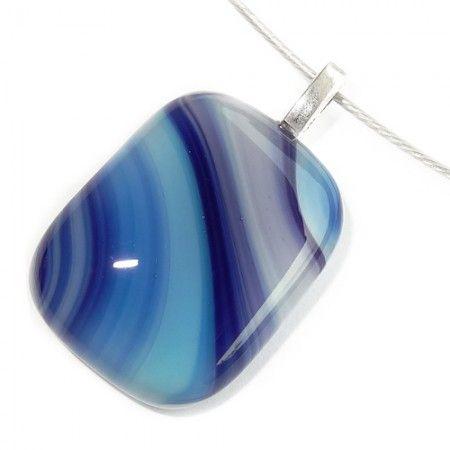 Blauwe glashanger handgemaakt van speciaal blauw glas. Exclusieve ketting hanger!