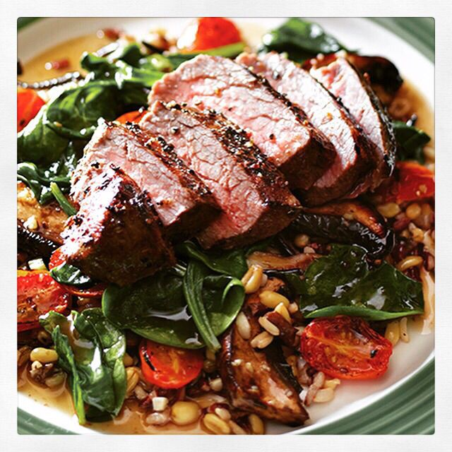 Pepper-crusted sirloin with whole grains! #applebees #PubDiet