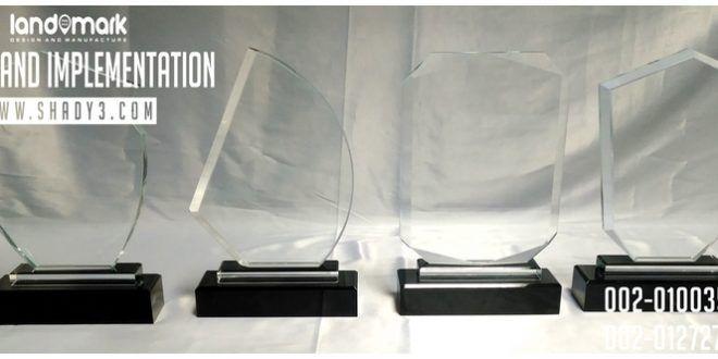 مجموعة دروع كريستال قاعدة مرتفعة جديدة لحفر الليزر Crystal Awards Crystal Trophies Glass Awards Flatscreen Tv Flat Screen Tv