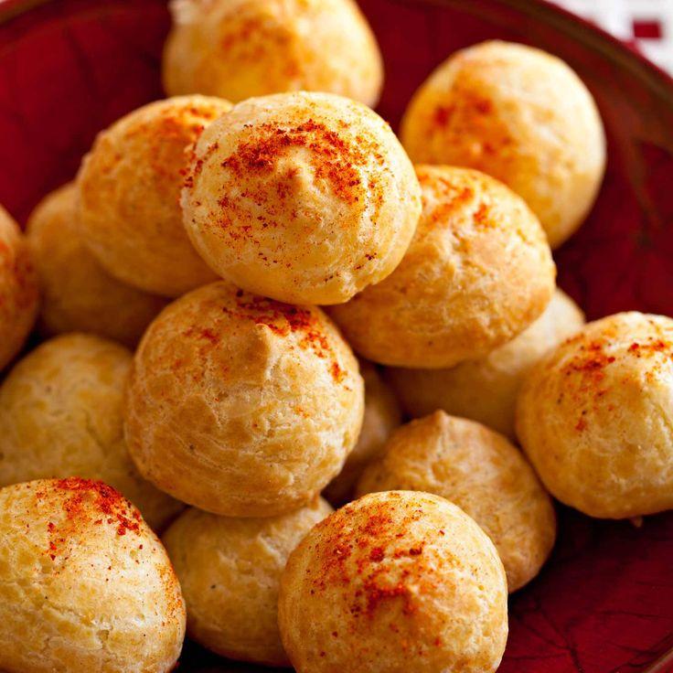 Découvrez la recette Petites gougères jambon fromage sur cuisineactuelle.fr.