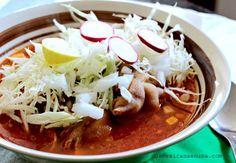 Receta de Pozole Rojo como se hace en México, perfecto para el mes patrio. by www.unamexicanaenusa.com