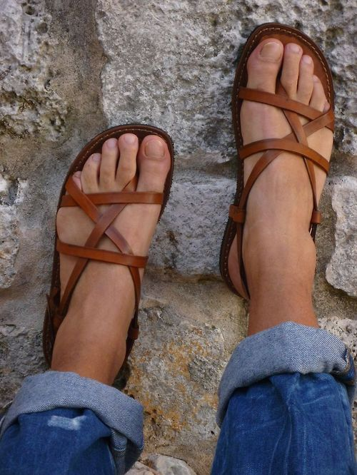 my freshly pedicured feet would look so cute in these . . . must search for some this summer!