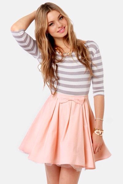 Cute bow on the skirt. Girly