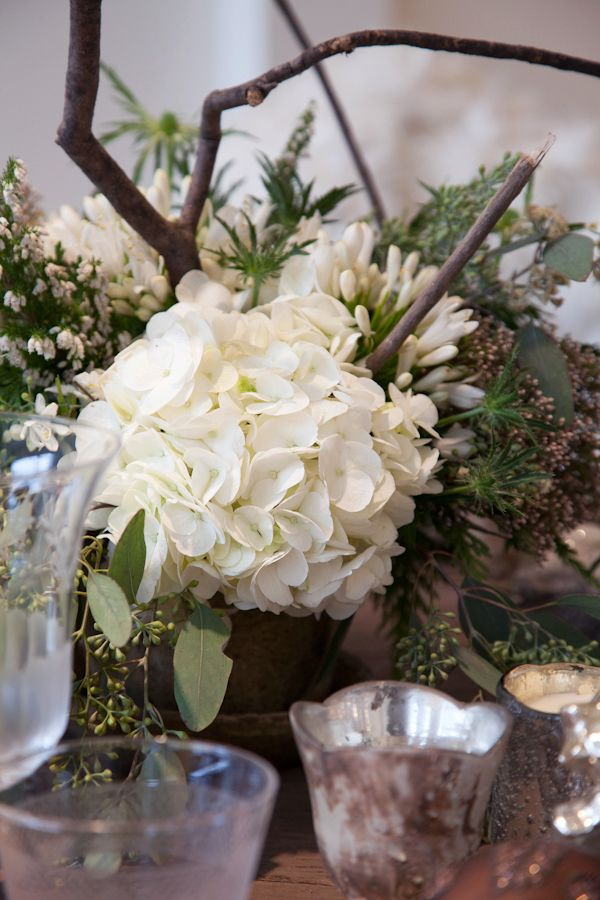 Light & Simple Holiday Decor Florals by Leuk