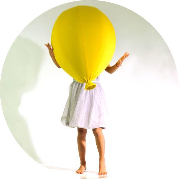 moyen pouf Sitting Baloon, design Florence Jaffrain pour YOUNOW http://www.serendipity.fr/moyen-pouf-Sitting-Baloon/14-2784/p
