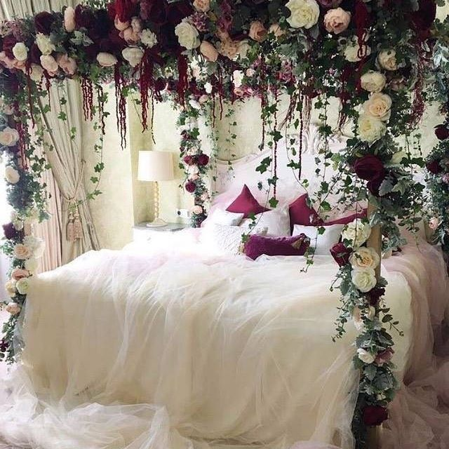 Beckoning one to sleep in on a weekend  don t you agree  Photo. Best 25  Fantasy bedroom ideas on Pinterest   Tent bedroom