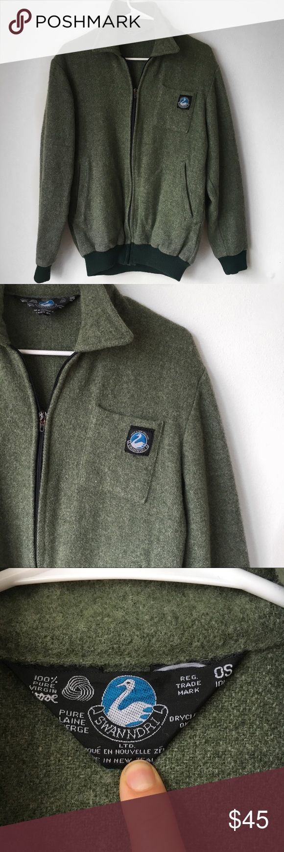 Vintage 1980s Green Wool Bomber Jacket Beautiful 100% virgin wool bomber jacket from Swanndri. In very good condition. Super warm for the fall/winter months. Cool bomber style. Vintage Jackets & Coats