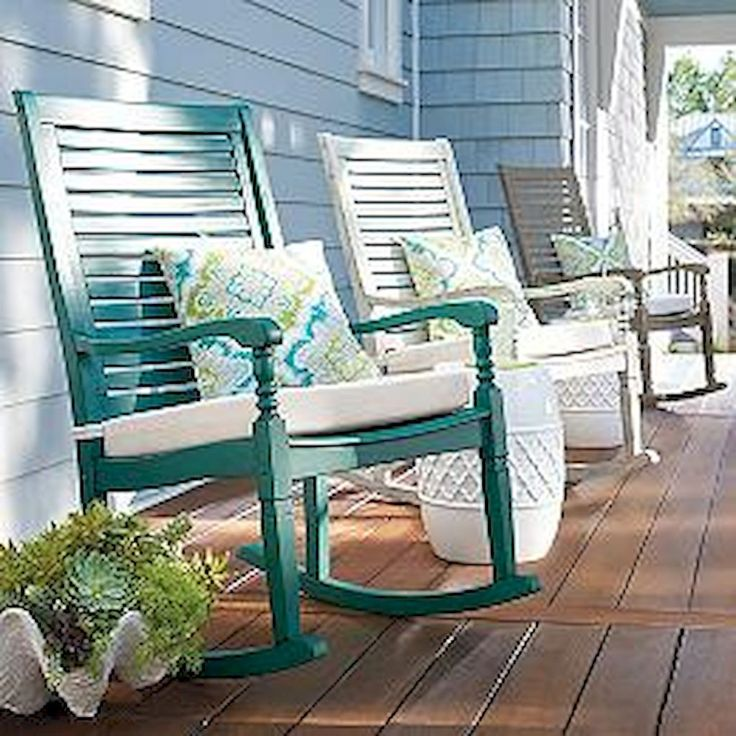 Gorgeous 60 Awesome Farmhouse Porch Rocking Chairs Decoration https://roomadness.com/2018/01/30/60-awesome-farmhouse-porch-rocking-chairs-decoration/